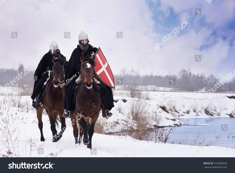 中世纪的骑士圣约翰(份采地)骑着马-宗教,复古风格-()图片