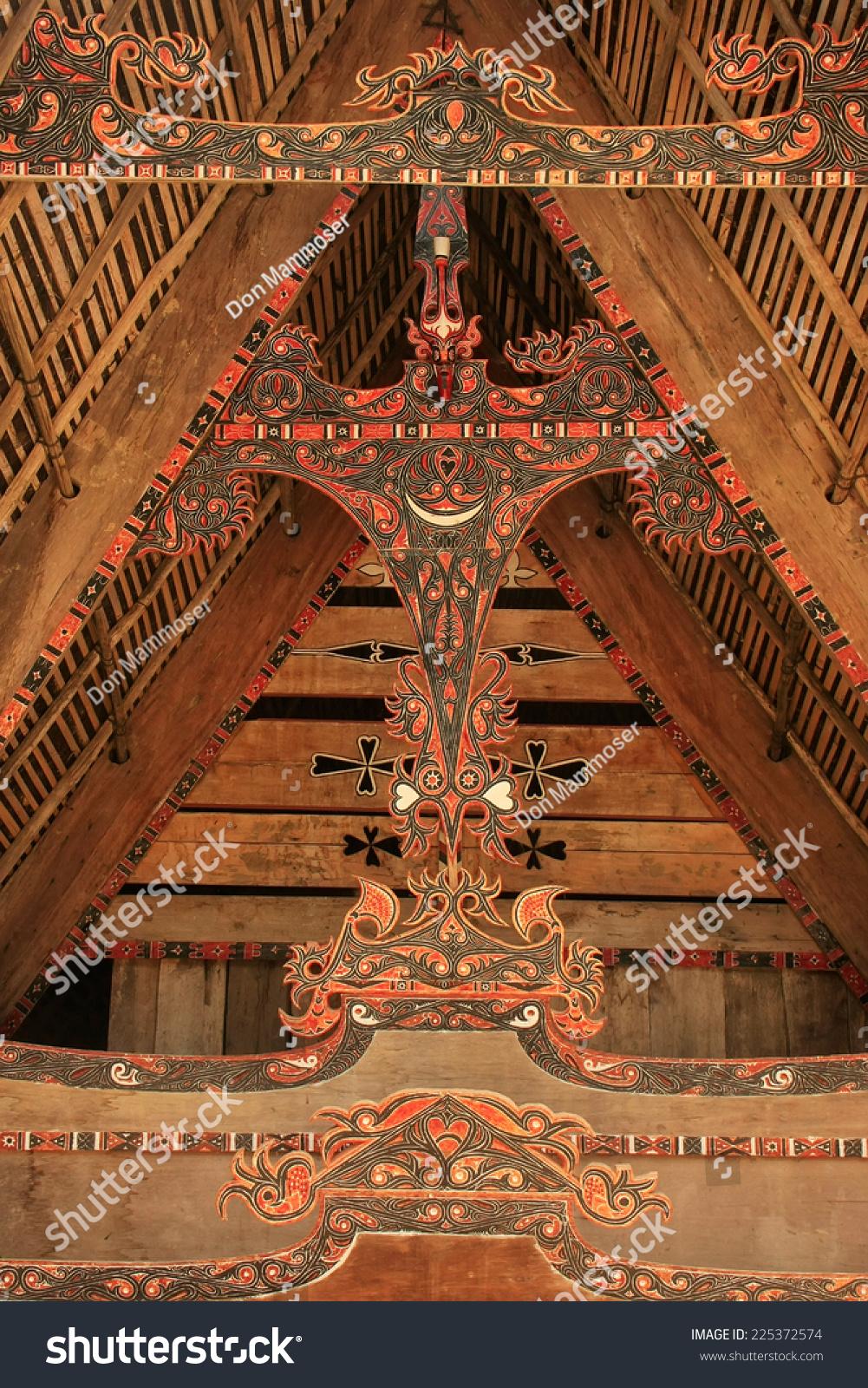 原住民传统的塔克装饰房子