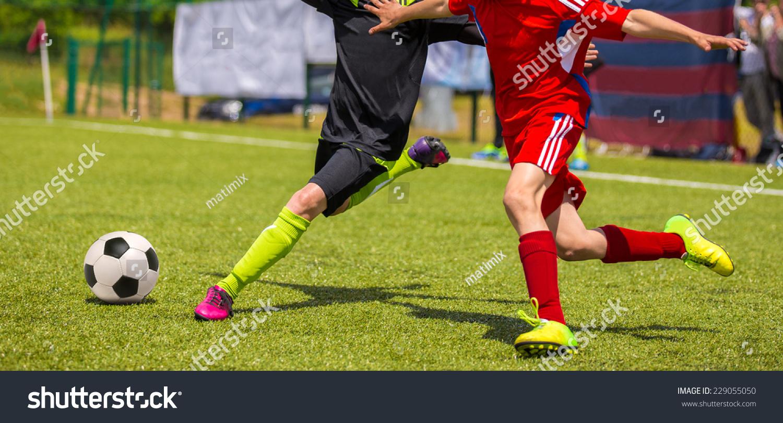 微信男生踢足球头像图片