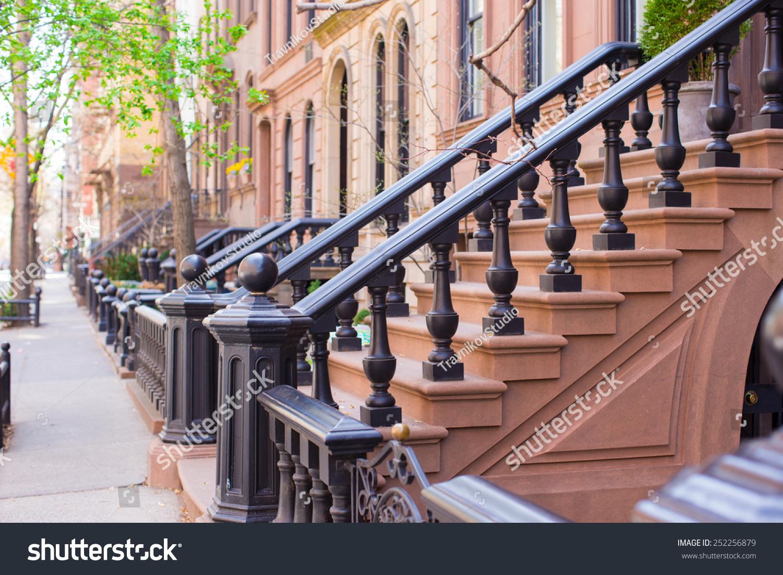老房子楼梯在西村的历史街区-建筑物/地标
