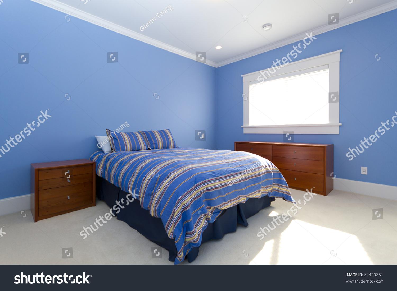 空床在卧室里-编辑,交通运输-海洛创意(hellorf)-中国