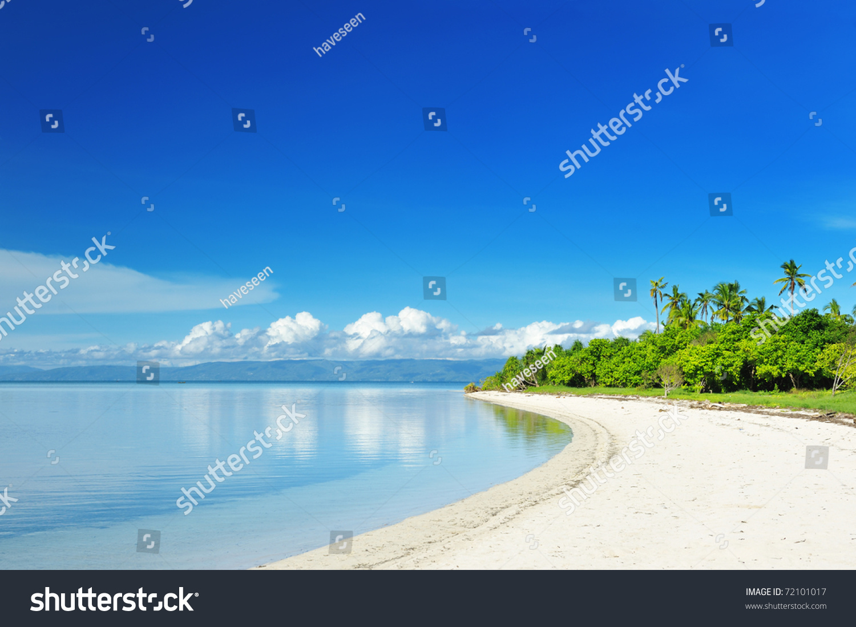 在菲律宾美丽无人岛上